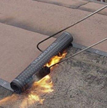 Прогрев наплавляемого материала газовой горелкой